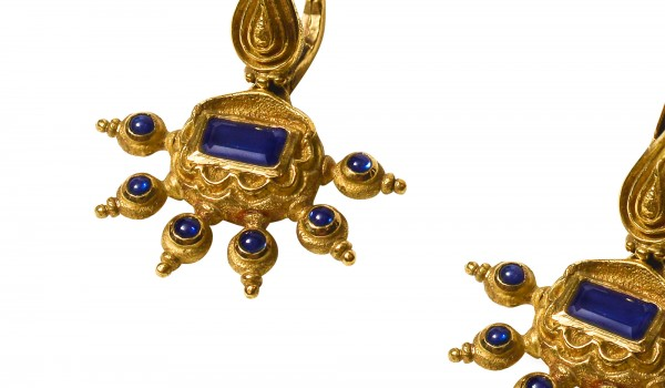 Gold Sapphire Earring